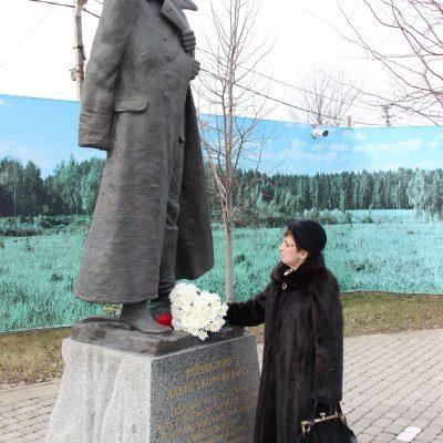 Памятник героя Ледяного похода